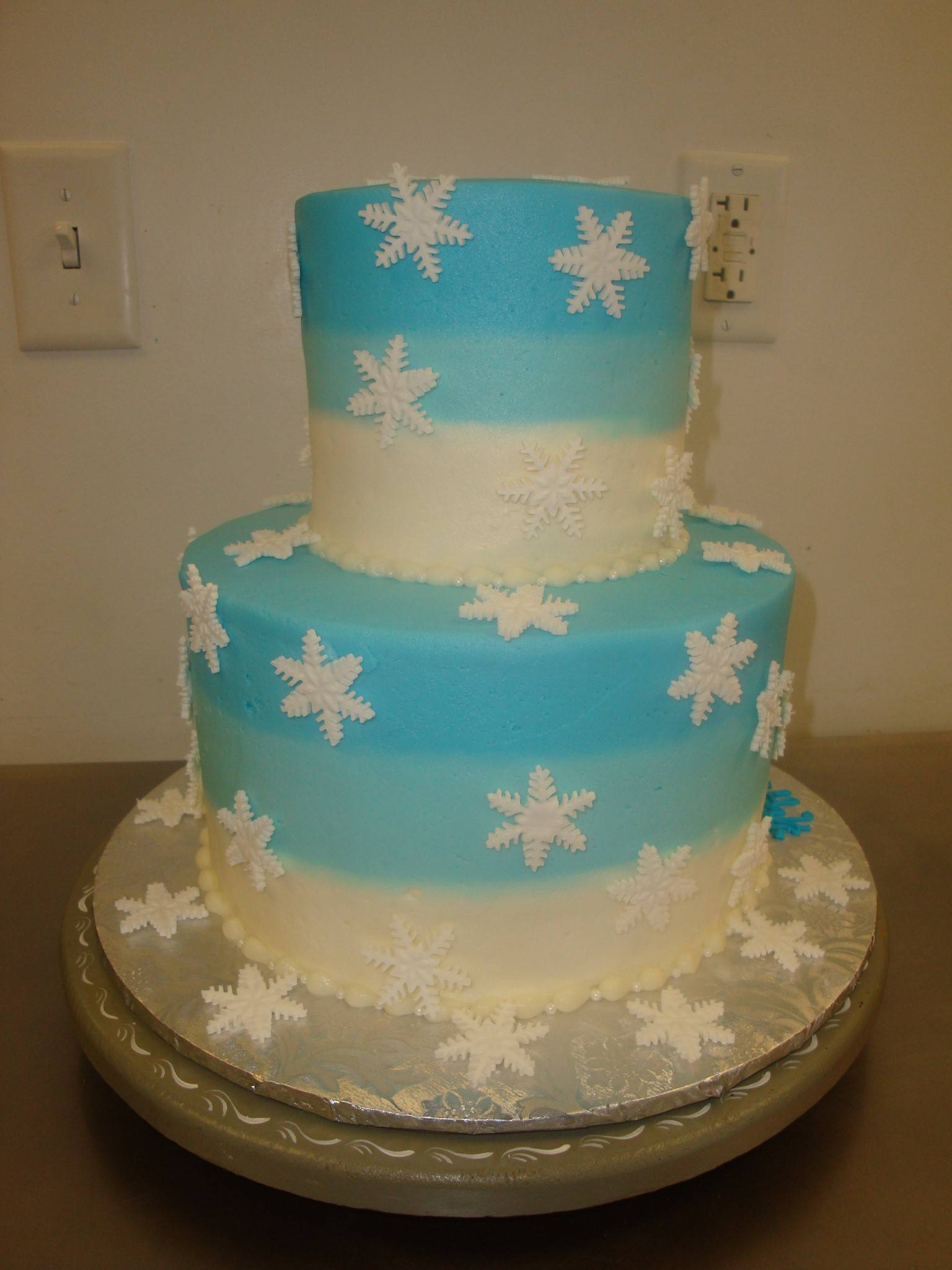 25 serving 2 tier ombre snowflake cake $150