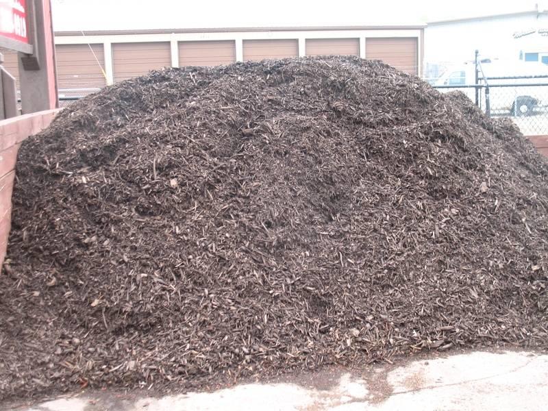 Premium Walnut Brown Mulch
