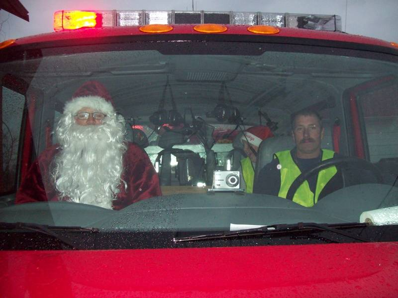 Santa and Asst Chief Cammack