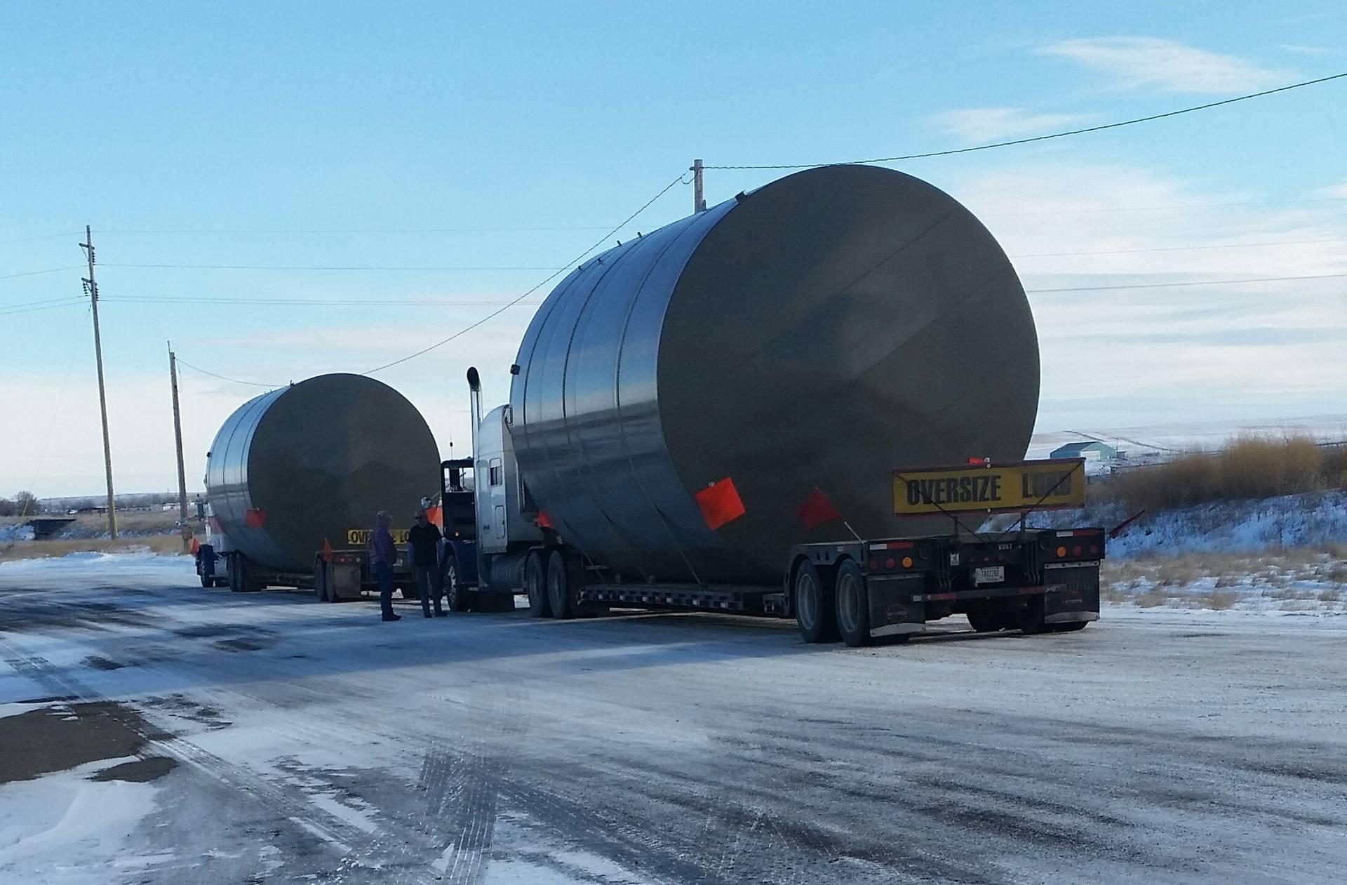 Oil tanks to North Dakota