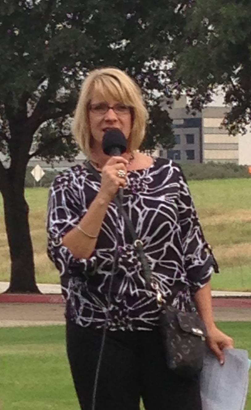 Brady Coach, Amy, presenting Kathy Taylor