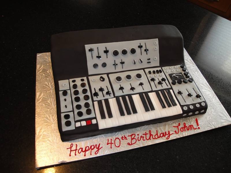 3D Synthesizer Cake