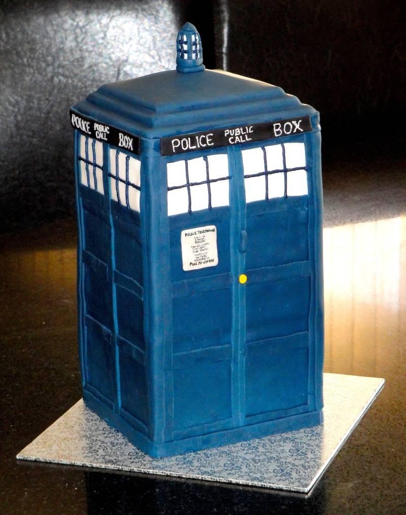 Dr. Who's Tardis Birthday Cake