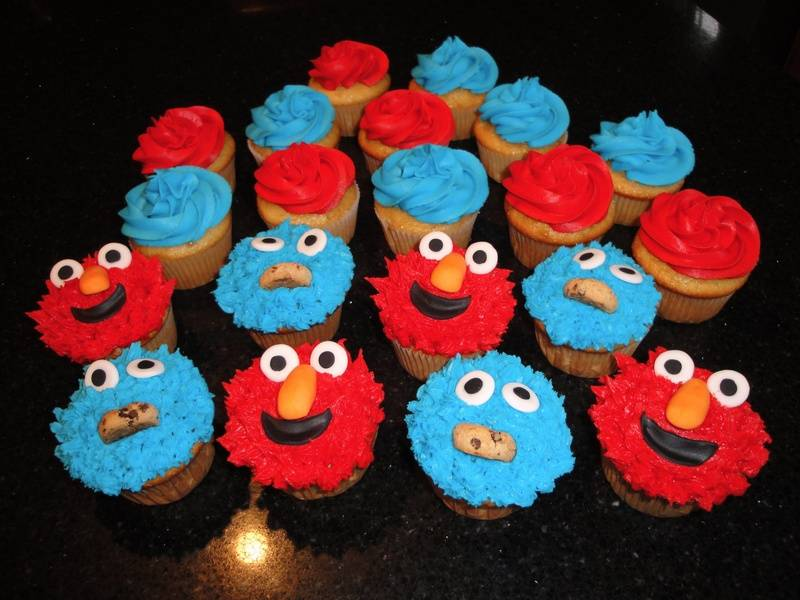 Cookie and Elmo cupcakes