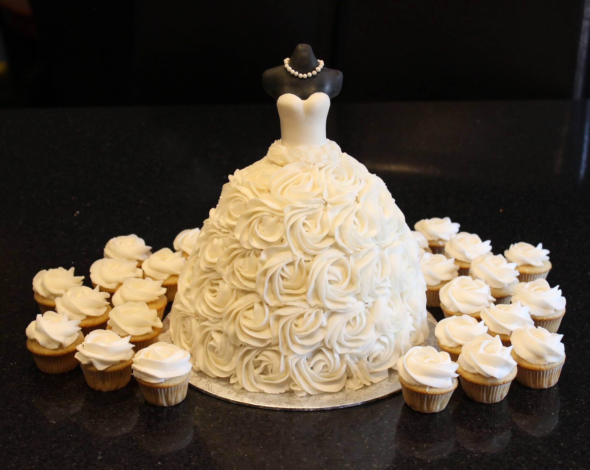 3D Wedding Dress Bridal Shower Cake & Mini Cupcakes