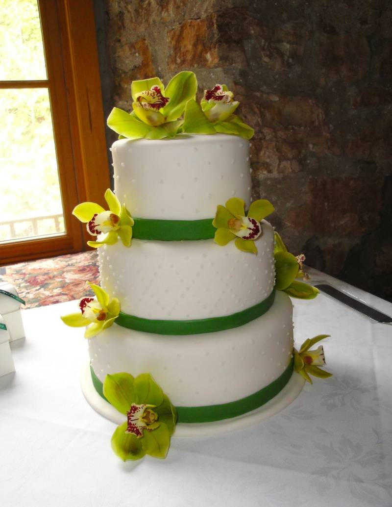 3 Tier Wedding Cake with fondant Ribbons