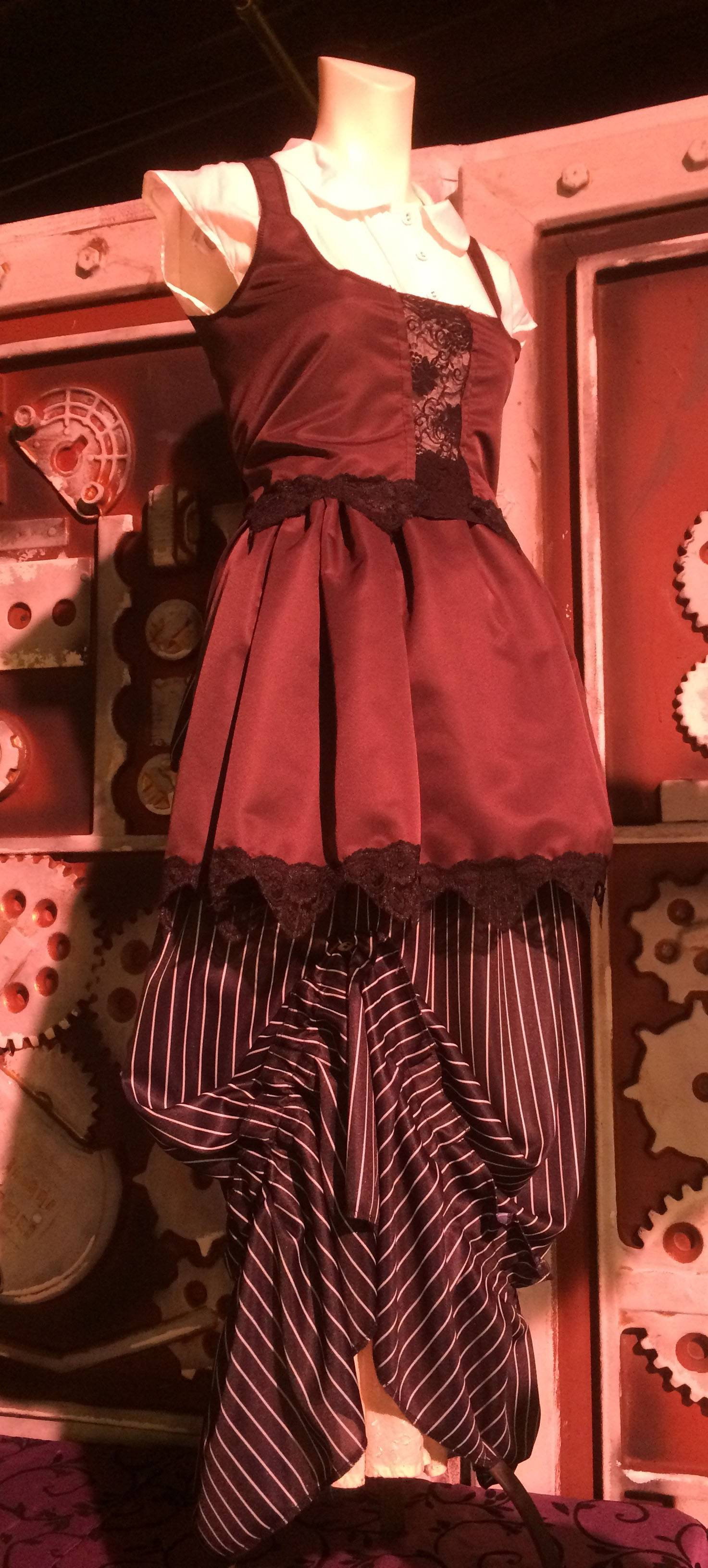 Bodice, short over-skirt and under skirt with pick-up