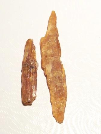 09-00532 Orange Kyanite