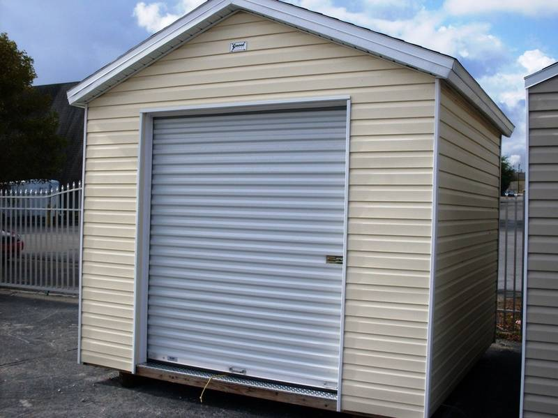 10x10 w/ roll up door