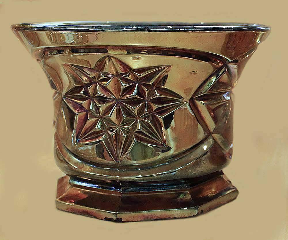 Derby aka Pinwheel rose bowl, black amethyst
