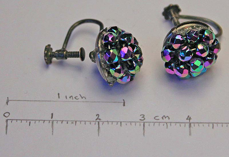 Faceted Cluster silver screw earings,