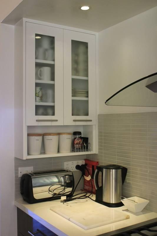 Cups and mugs,toaster,electric jug,tea,sugar,coffee