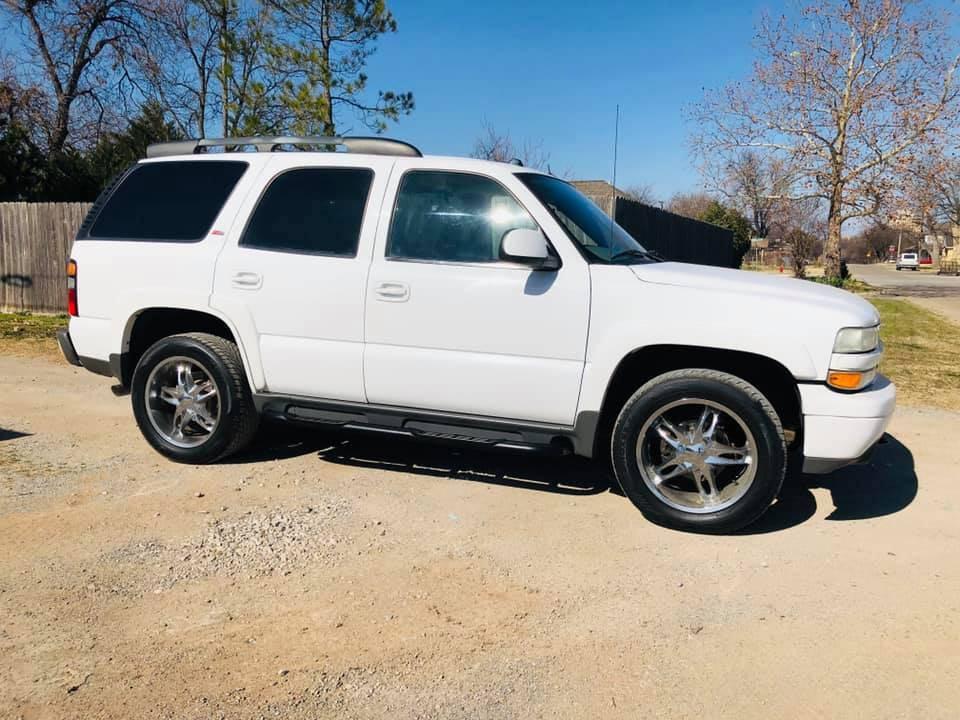 2005 Chevrolet Tahoe Z71  $5,500  **REDUCED**