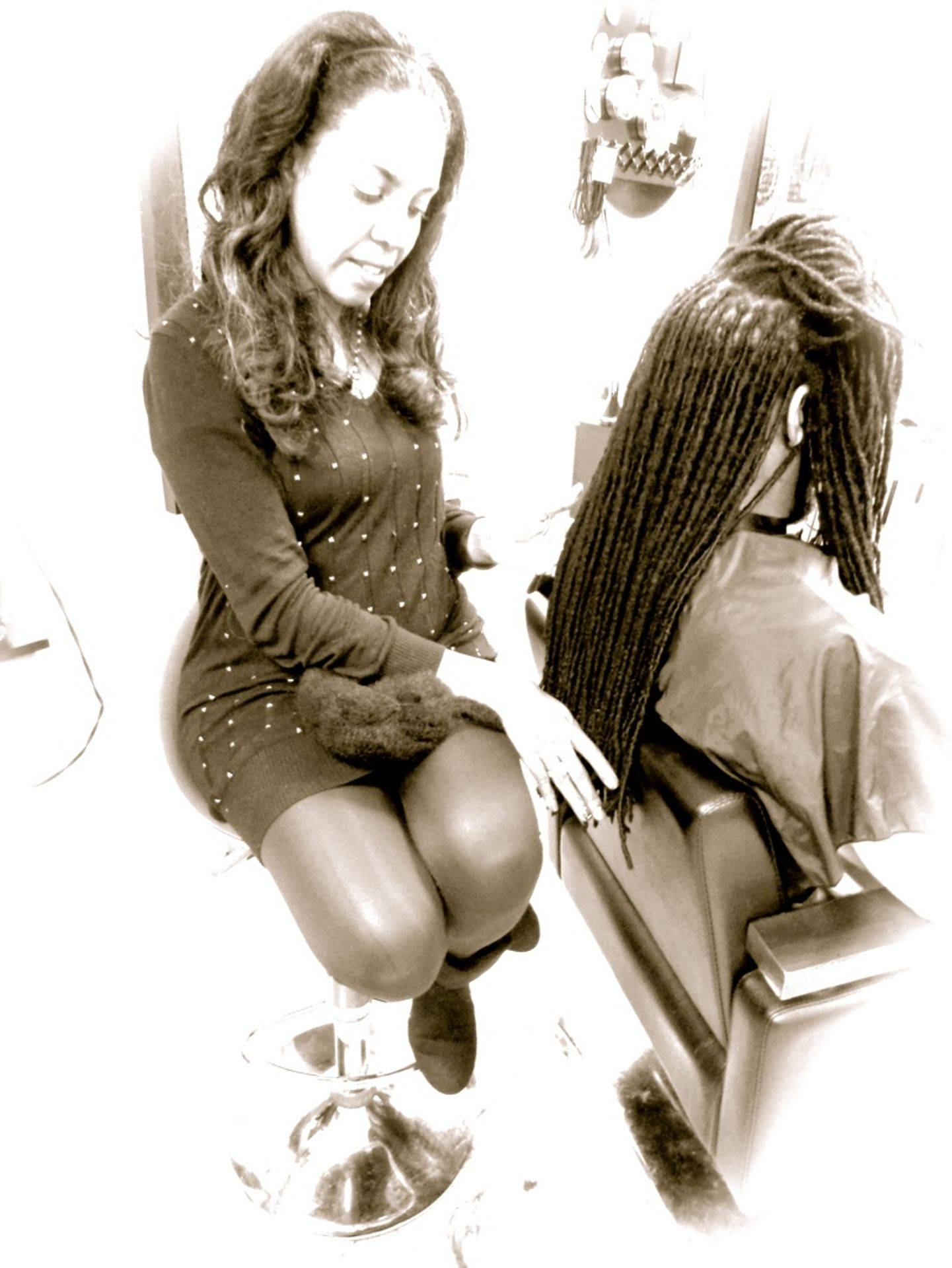 Braids by Bee reinforces natural dreads to stay healthy a protective style for men with long dreads that don't want there dreads to be fuzzy or become thin from regular wear and tear.
