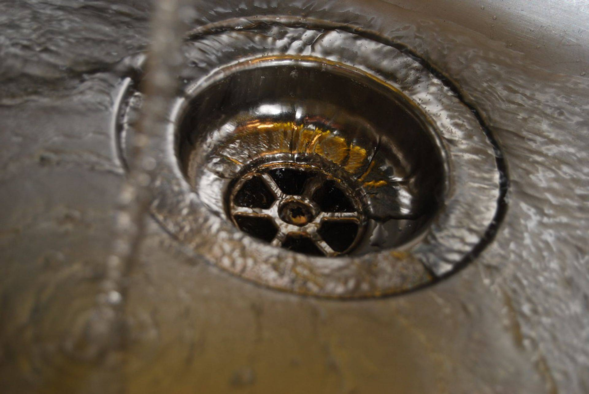 We install and repair garbage disposals.