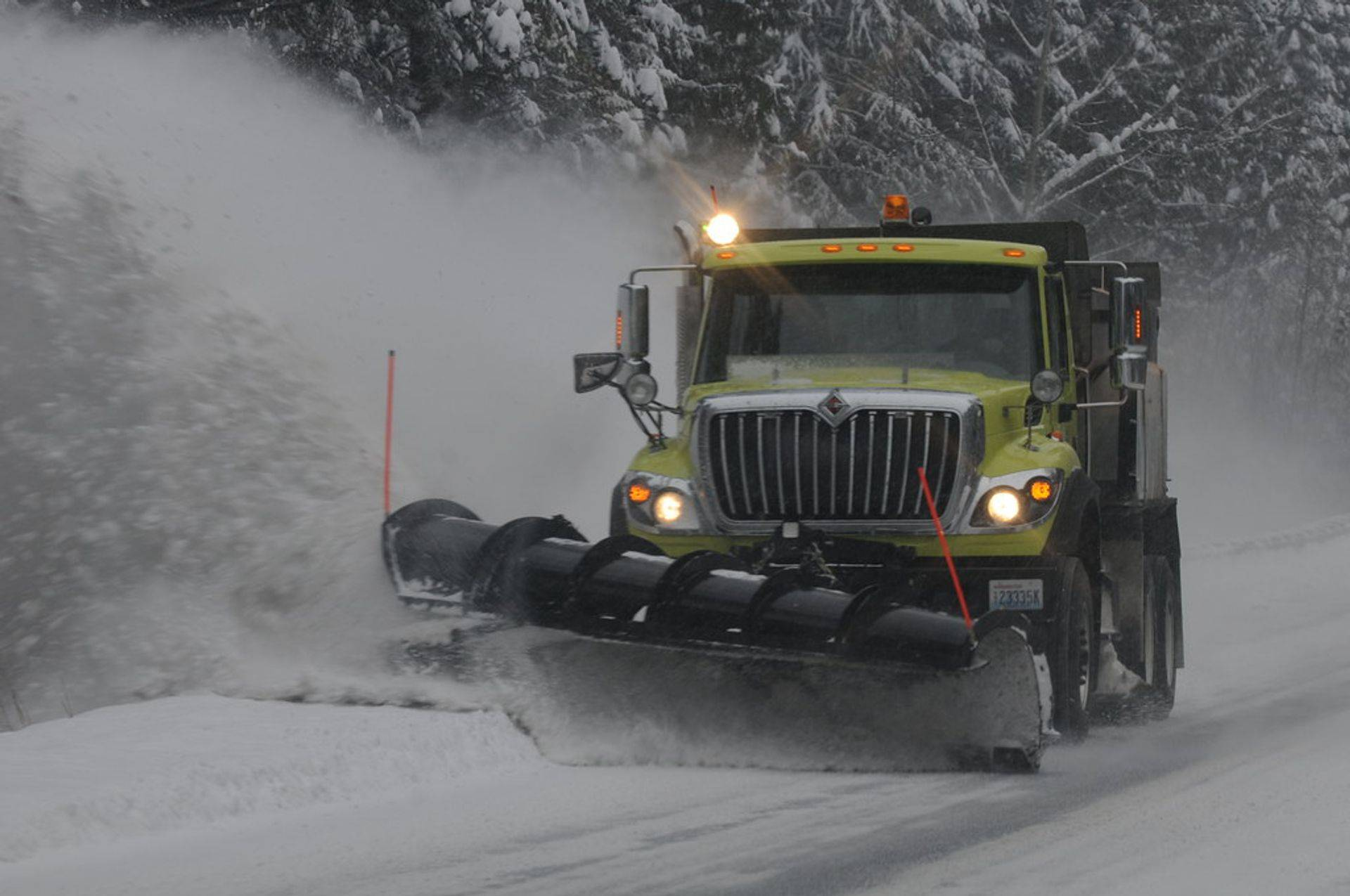 Comercial Snow Plows and Salt Spreaders