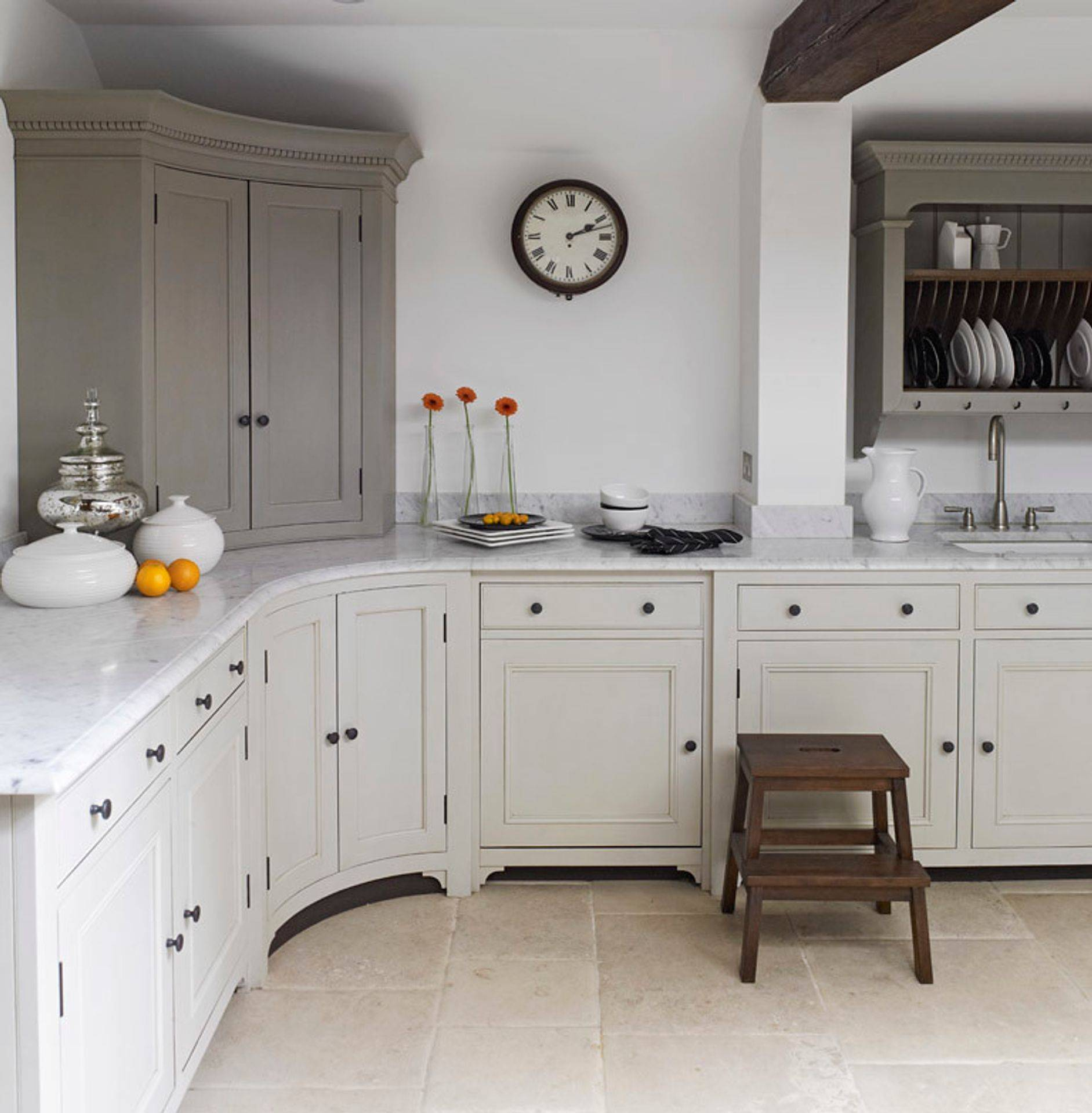 Classic fitted kitchen designs