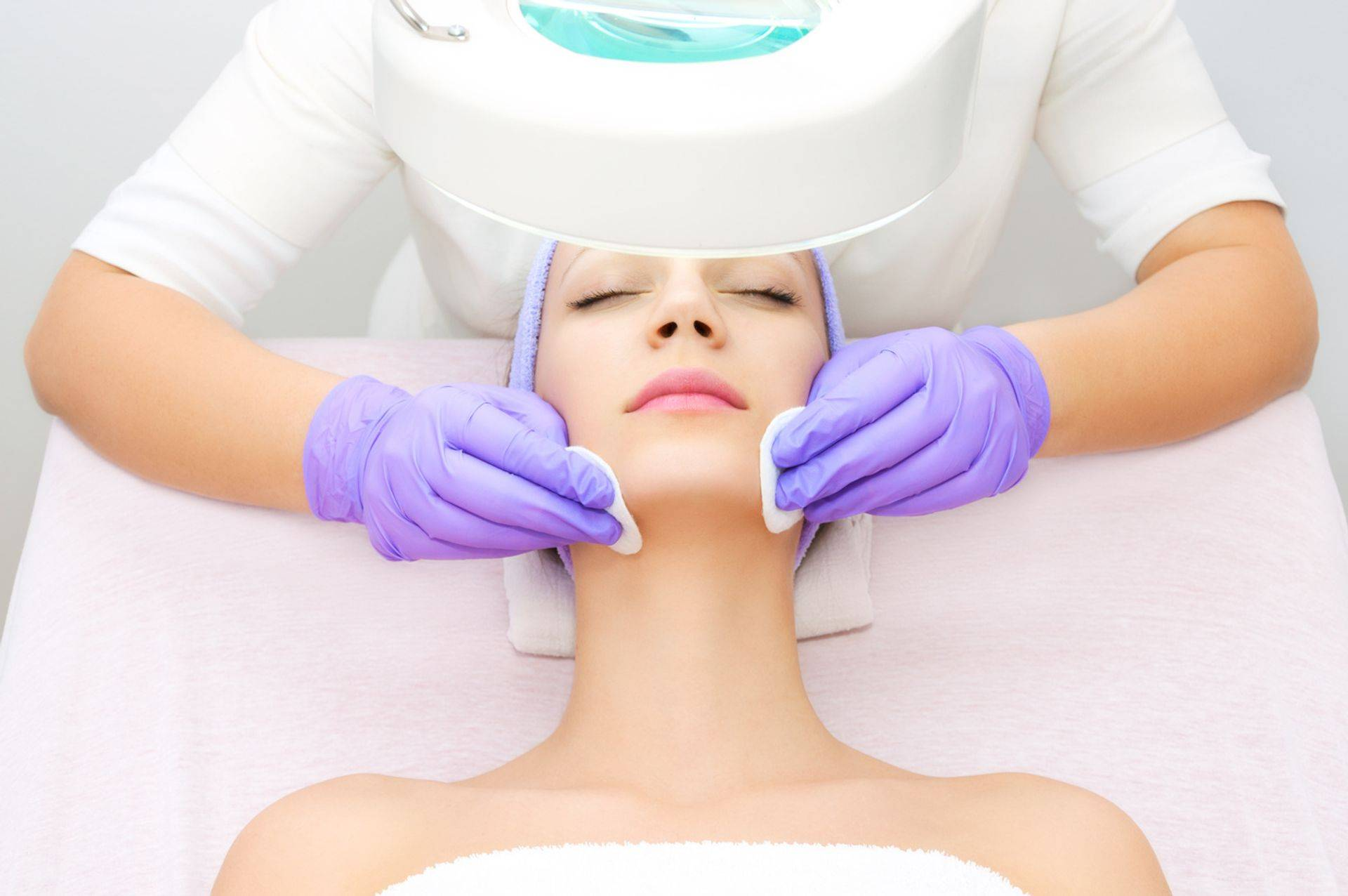 From micro-dermabrasion, clinical peels & professional skin needling to classical European Facial treatments, afull range of treatments are available & delivered with care and an experienced hand.