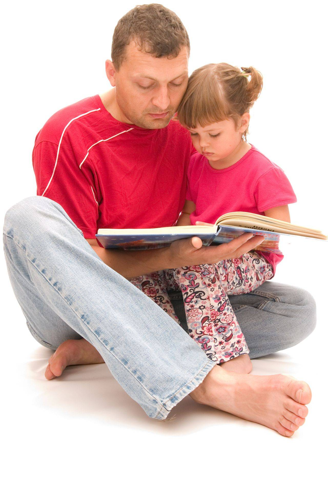 Dad read with daughter