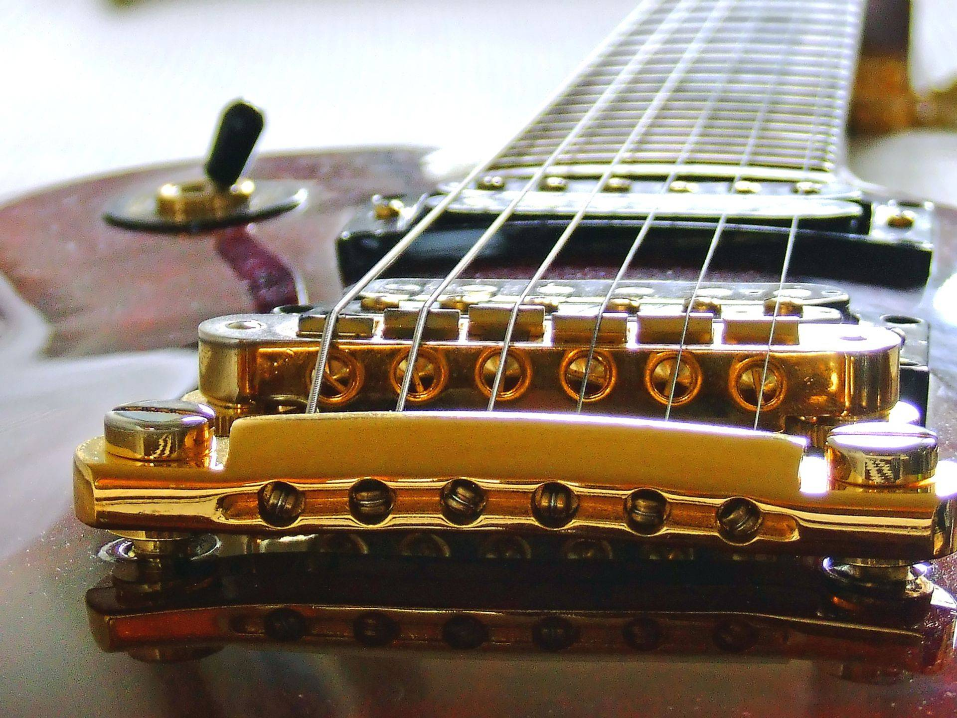 Zoomed Guitar 123