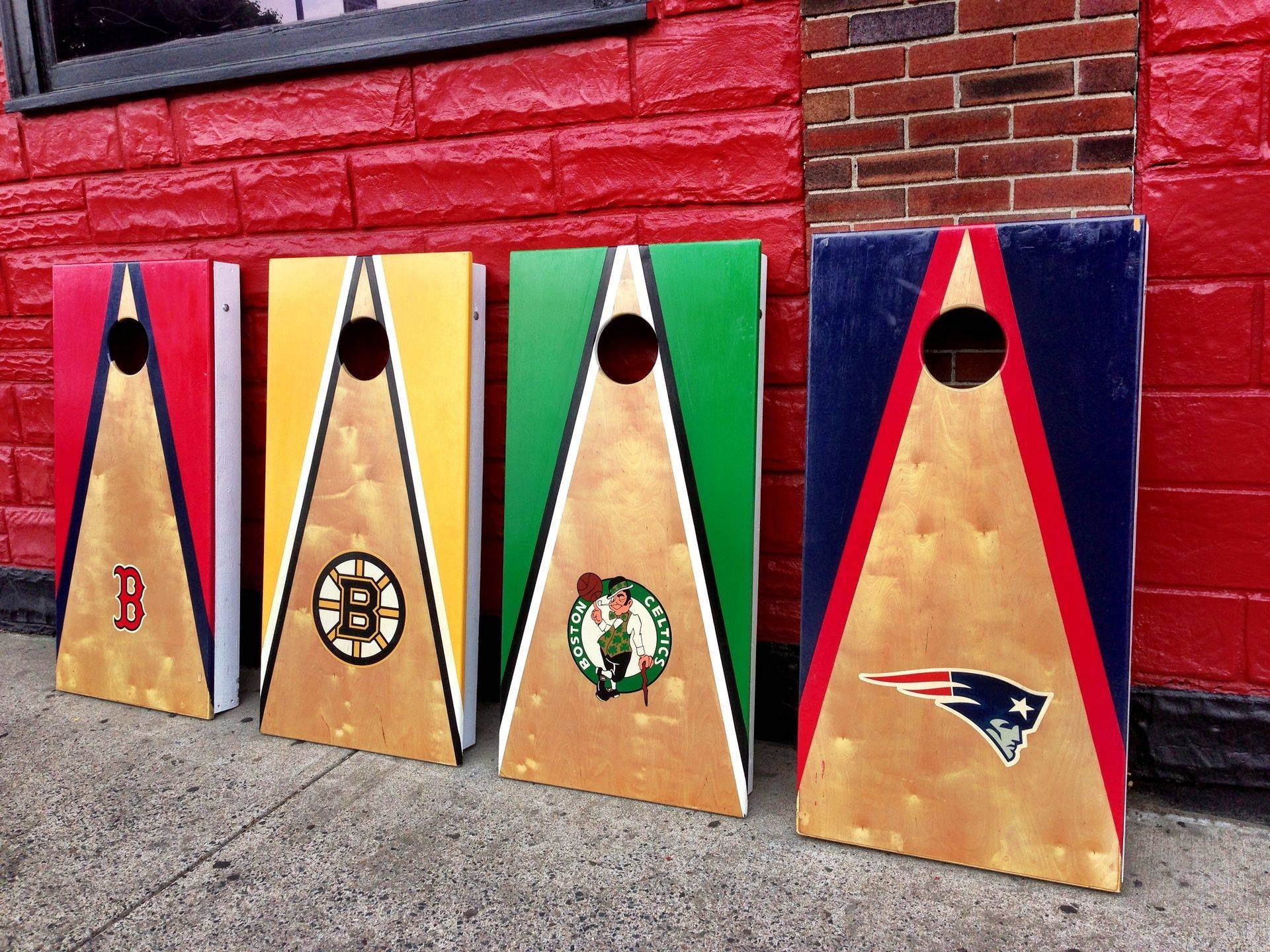 Weekly Cornhole Bar Contests