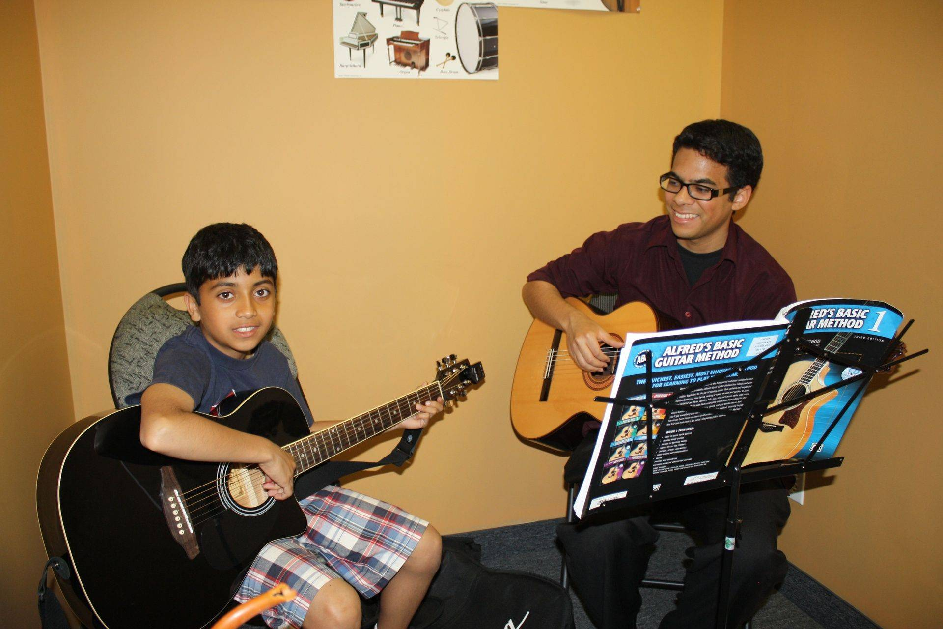 Guitar lessons, acoustic, bass, electric,all ages, Mississauga , Oakville