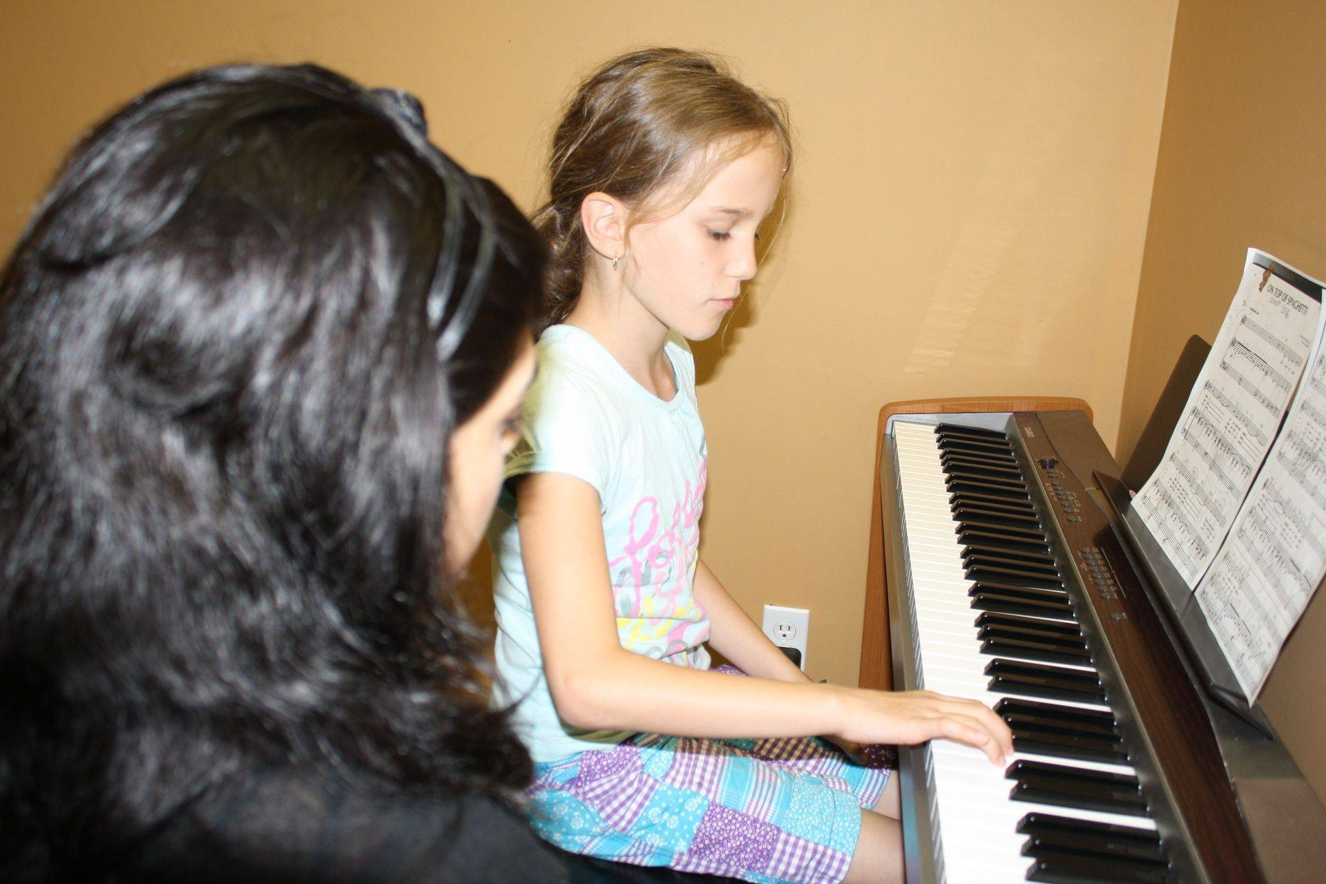 Piano Classes,Piano Lessons, Begginer, RCM, Mississauga, Oakville