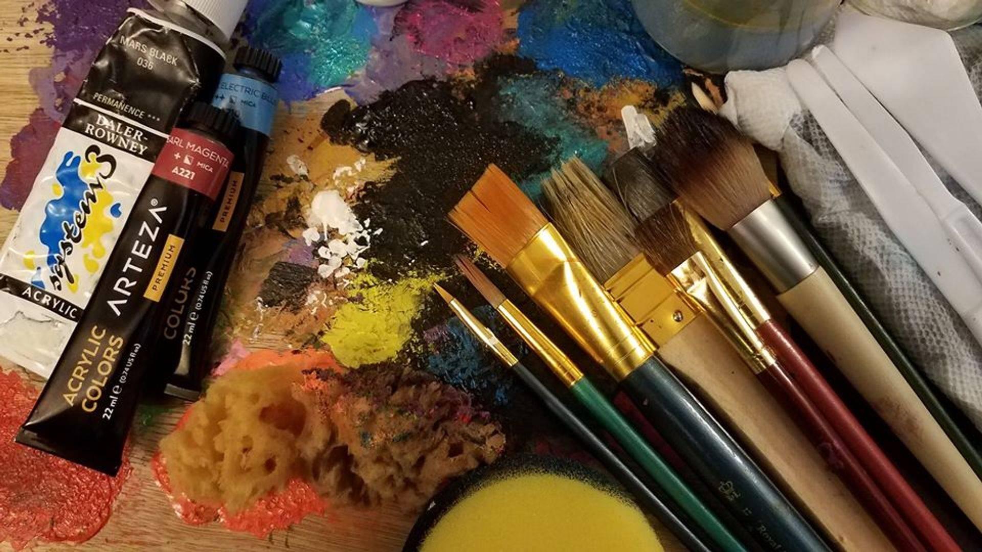dos Ramos Studio Art Desk