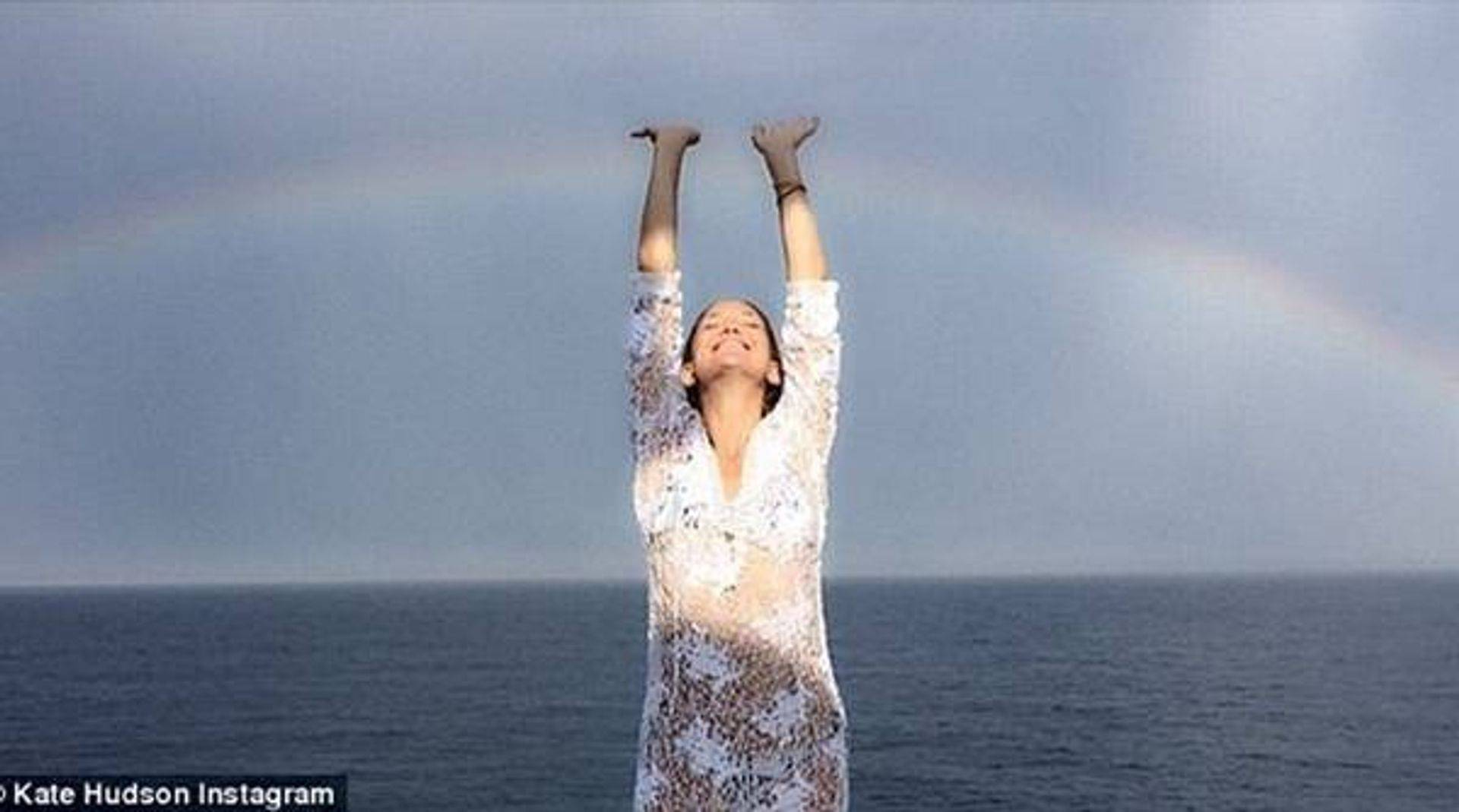 Touch the Rainbow in Greece, Kate Hudson