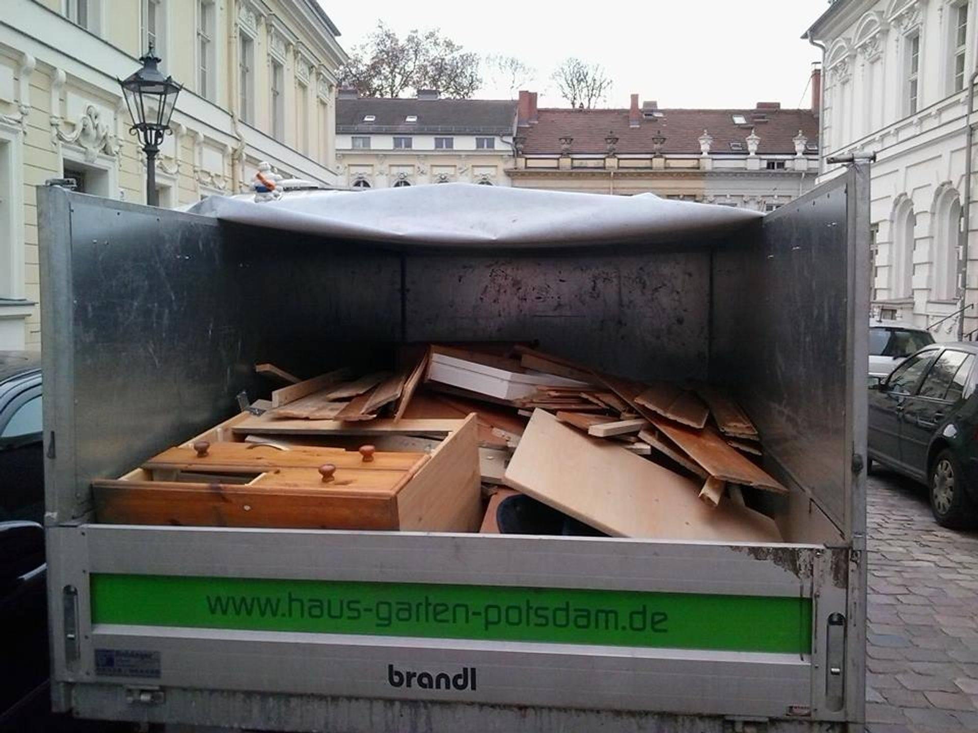 Entsorgung Holz behandelt Potsdam, Berlin, Kleinmachnow, Teltow, Werder / Havel, Falkensee, Nuthetal, Ludwigsfelde, Beelitz