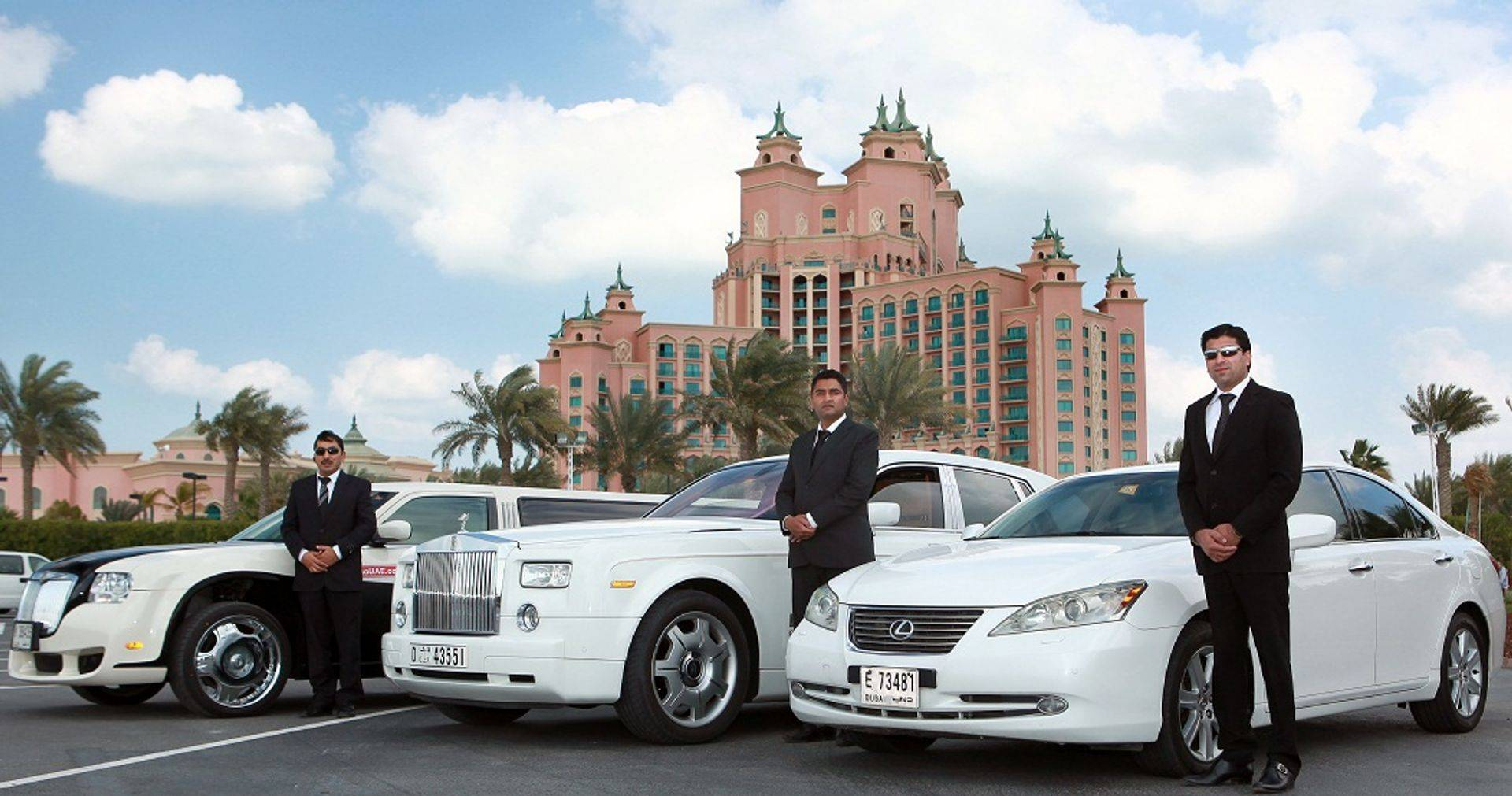 Car Hire In Dubai With Driver