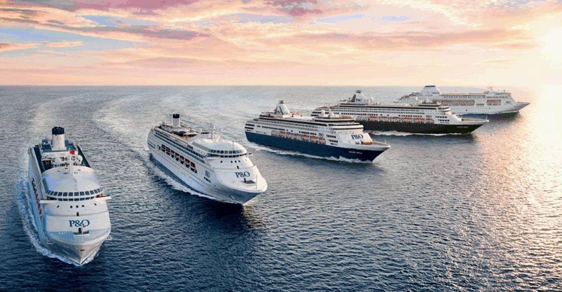Cruise Ship / kapal pesiar