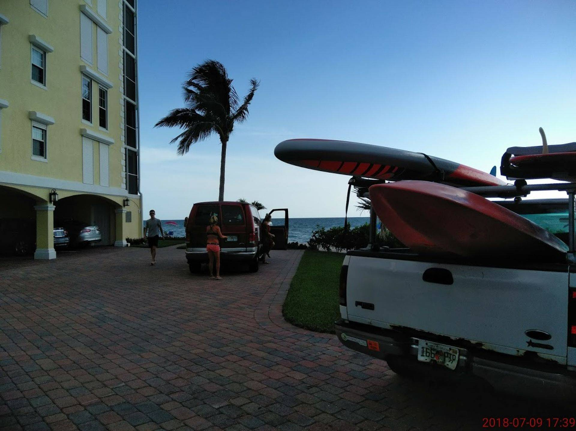 paddleboard rentals delivery is free