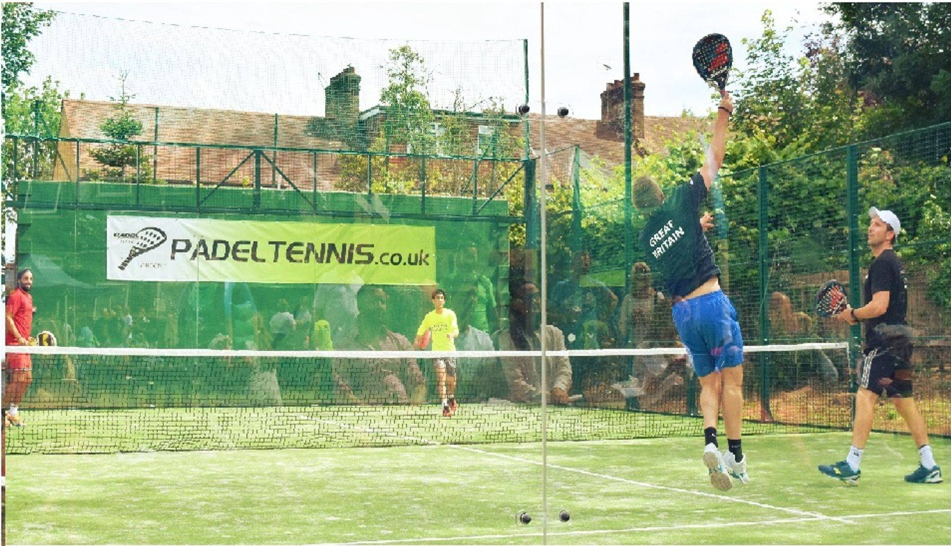 padel tennis club in london
