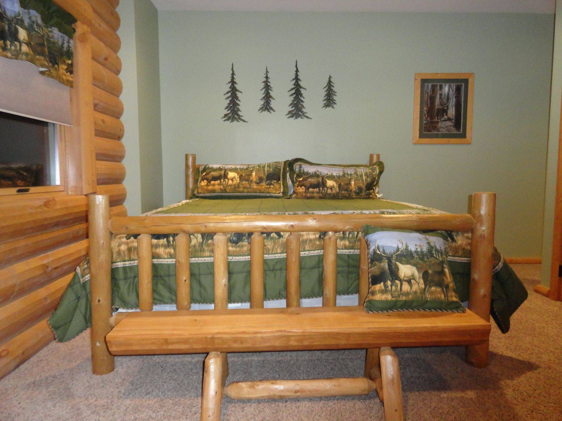 King bed in Outdoorsman