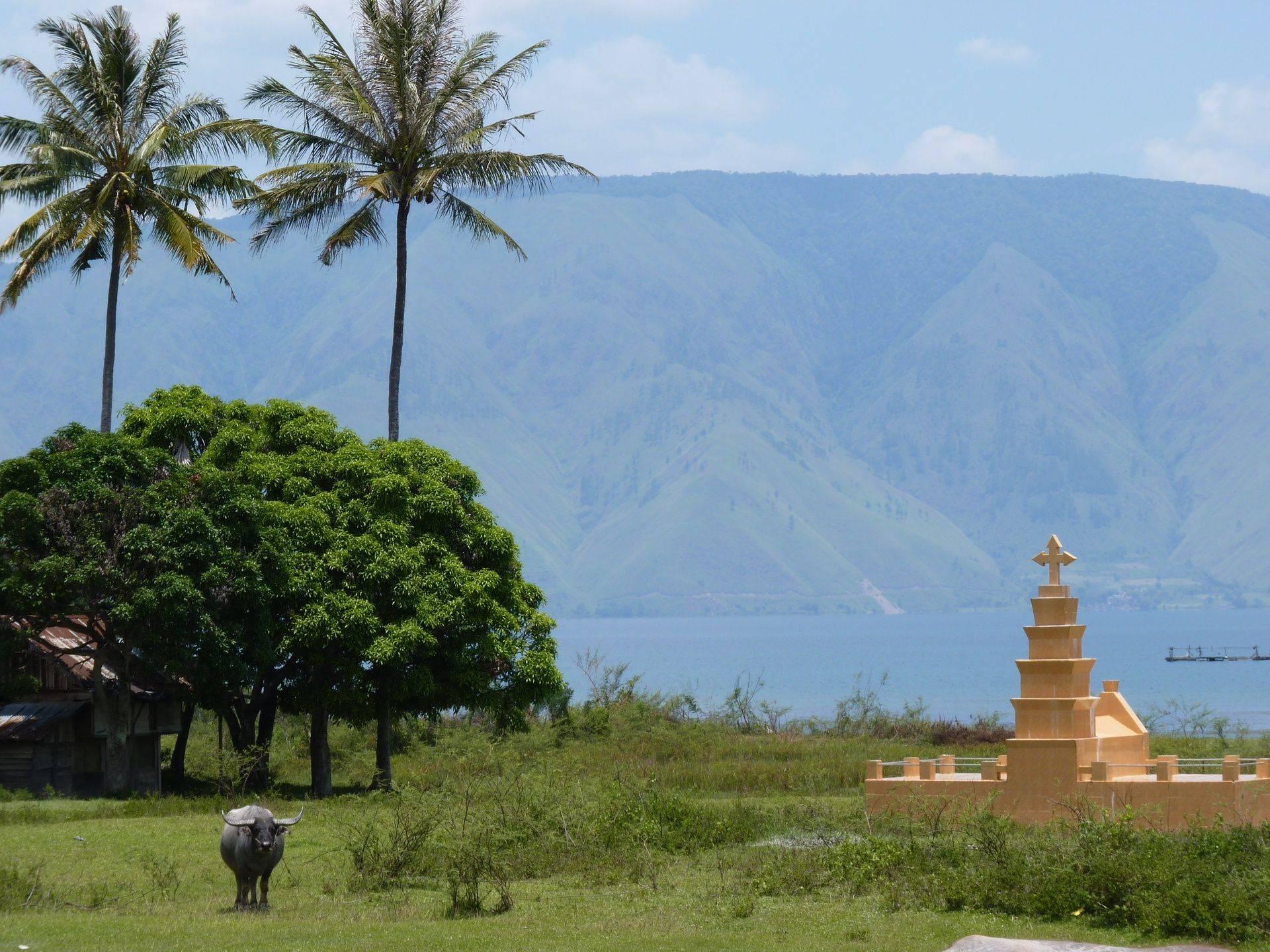 Lake Toba - Batak architecture