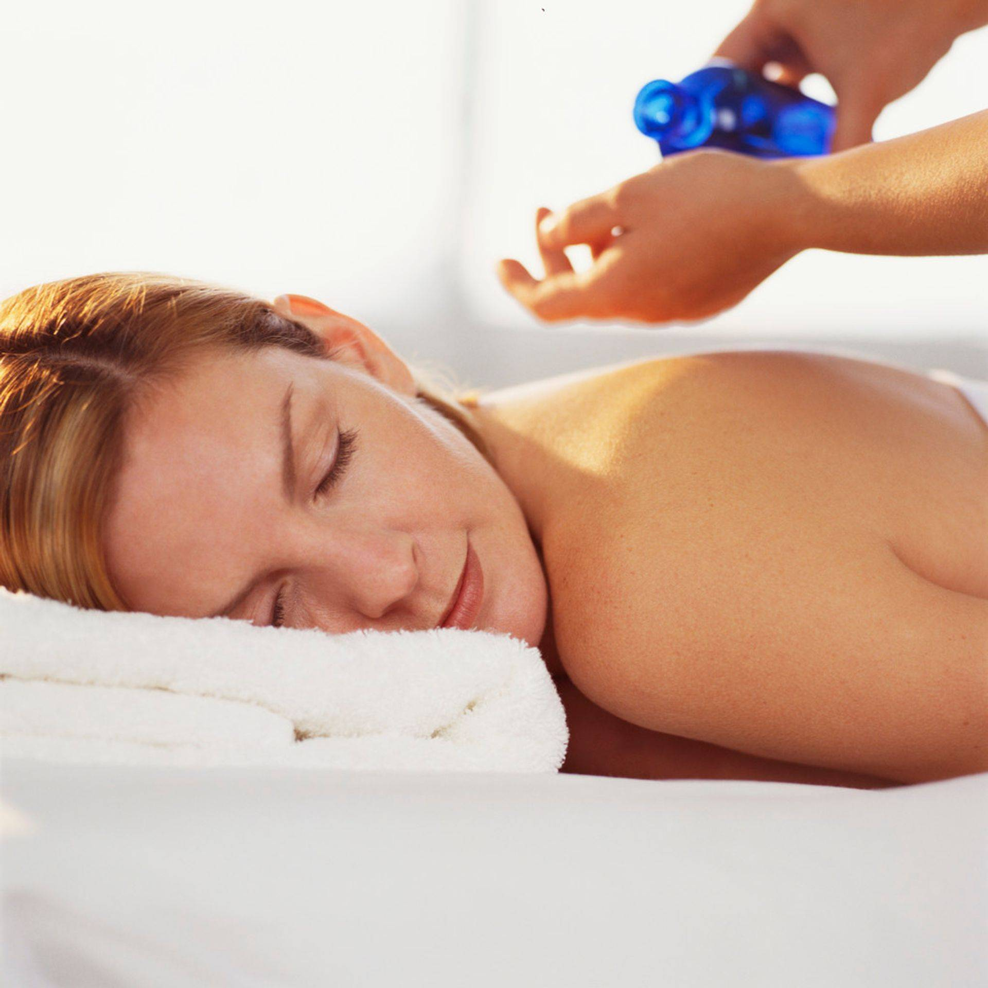Aromatherapy hot Oil Massage