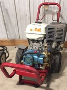 Cold gas engine pressure washer