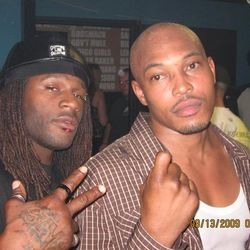 STICKY FINGAZ CAN SPOT THE SHYZ T. VILLUN CAUSE IT TAKES ONE TO KNOW ONE!!