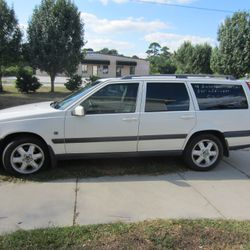 FOR SALE->>> 2001 Volvo XC70 Cross Country. Very nice vehicle. Contact Greg for more information at 843-655-3232