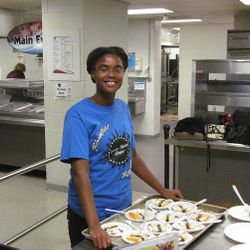 Key ClubberTiffany Sanders volunteers at our annual Thanksgiving Dinner.  Say hi!
