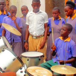 Music lessons to students