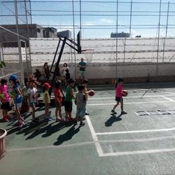 Sunday basketball activity for primary school students.