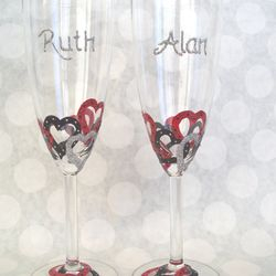 Champagne Flutes - Entwined Heart design