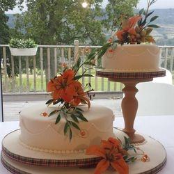 Cake by Edinburgh member, Fiona Ferguson, winner of the Sugarcraft Category at the 2014 Scottish Baking Awards Final.