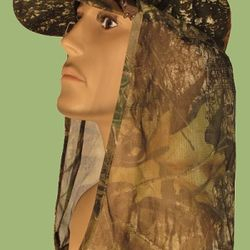 hunting hoodie for neck protection while deer hunting or dove hunting