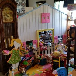 Kids welcome! We have a kid section.