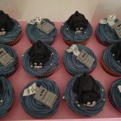 Cupcakes for a cat loving accountant!