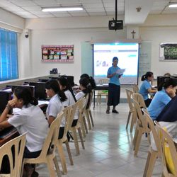 ICT: Hands-on projects with the computer/Internet