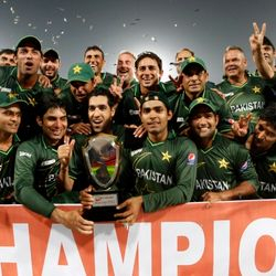 Pakistan's players pose with trophy after winning the Asia Cup 2012.